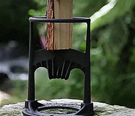 Kindling Cracker Lets You Split Wood With a Hammer